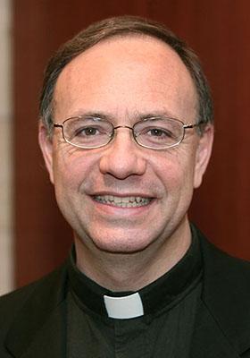José Alberto Mesa SJ