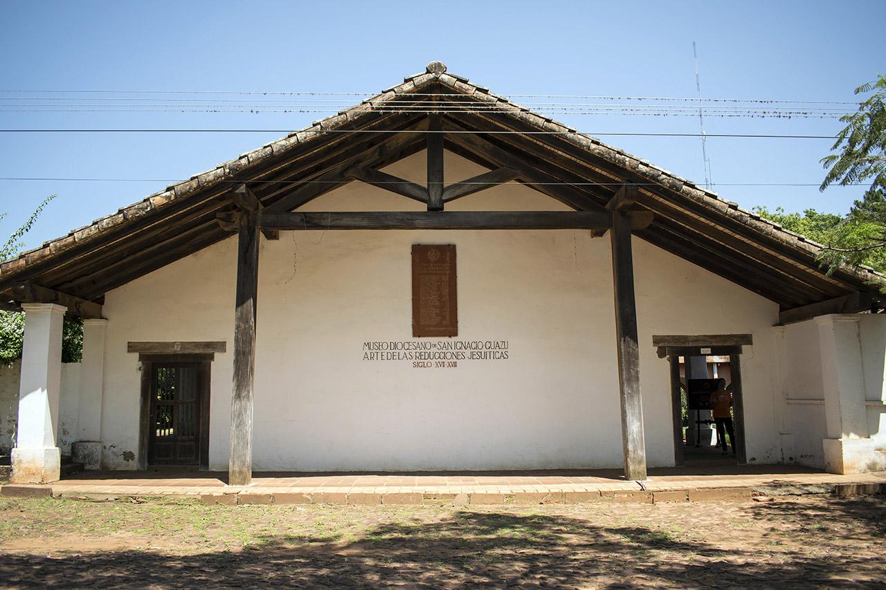 Il Padre Generale in raccoglimento in una delle Riduzioni in Paraguay