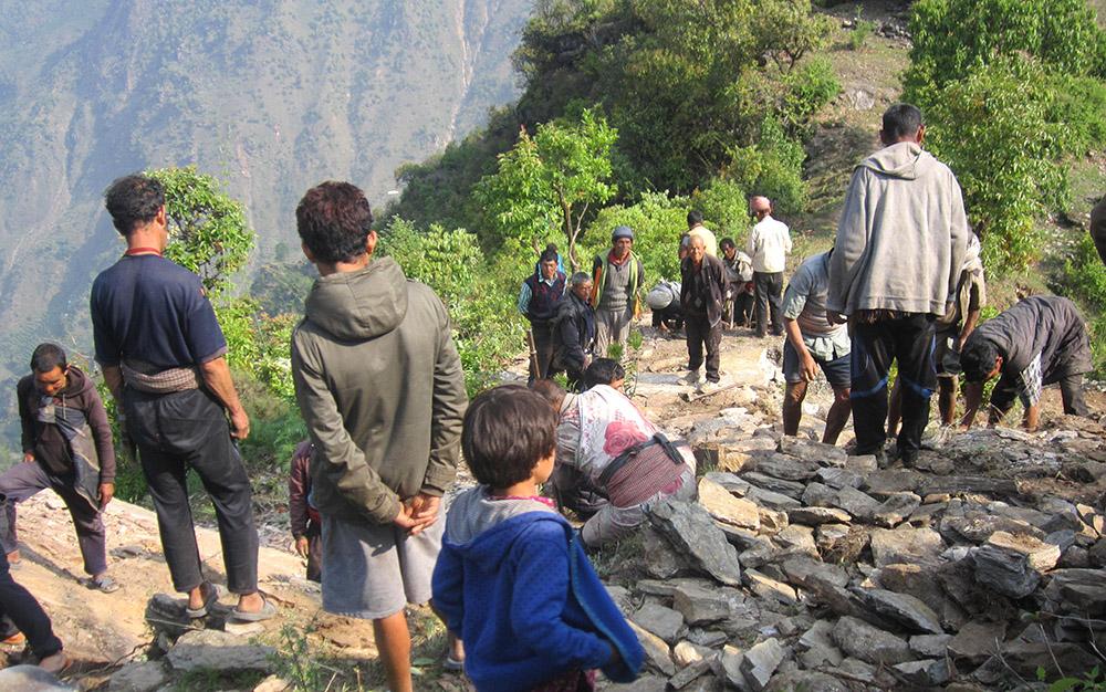 2020-03-18_nepal-tipling_earthquake