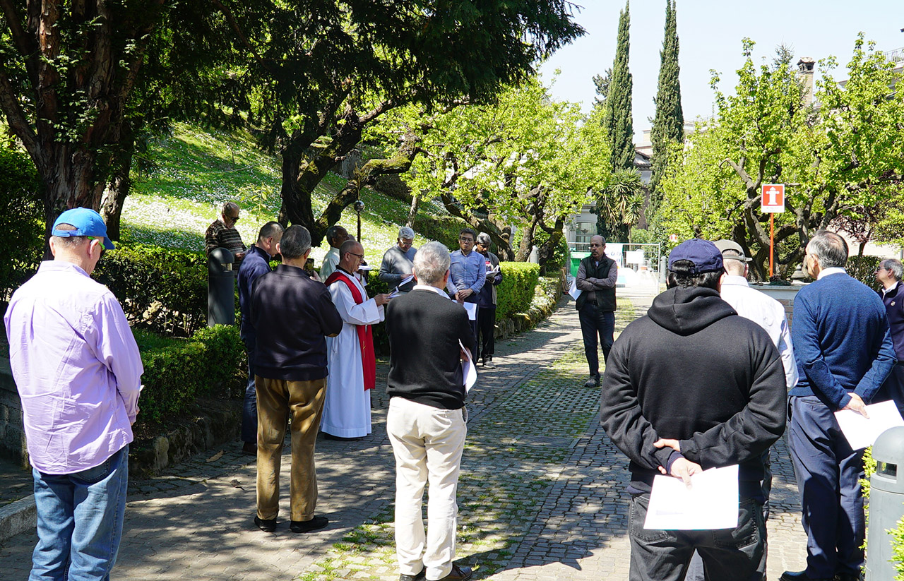 Via Crucis for the community of the General Curia
