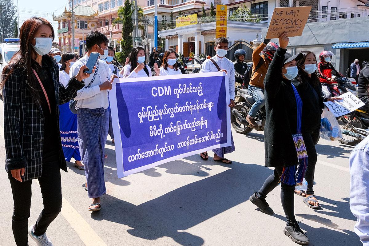 2021-02-22_myanmar_ph01